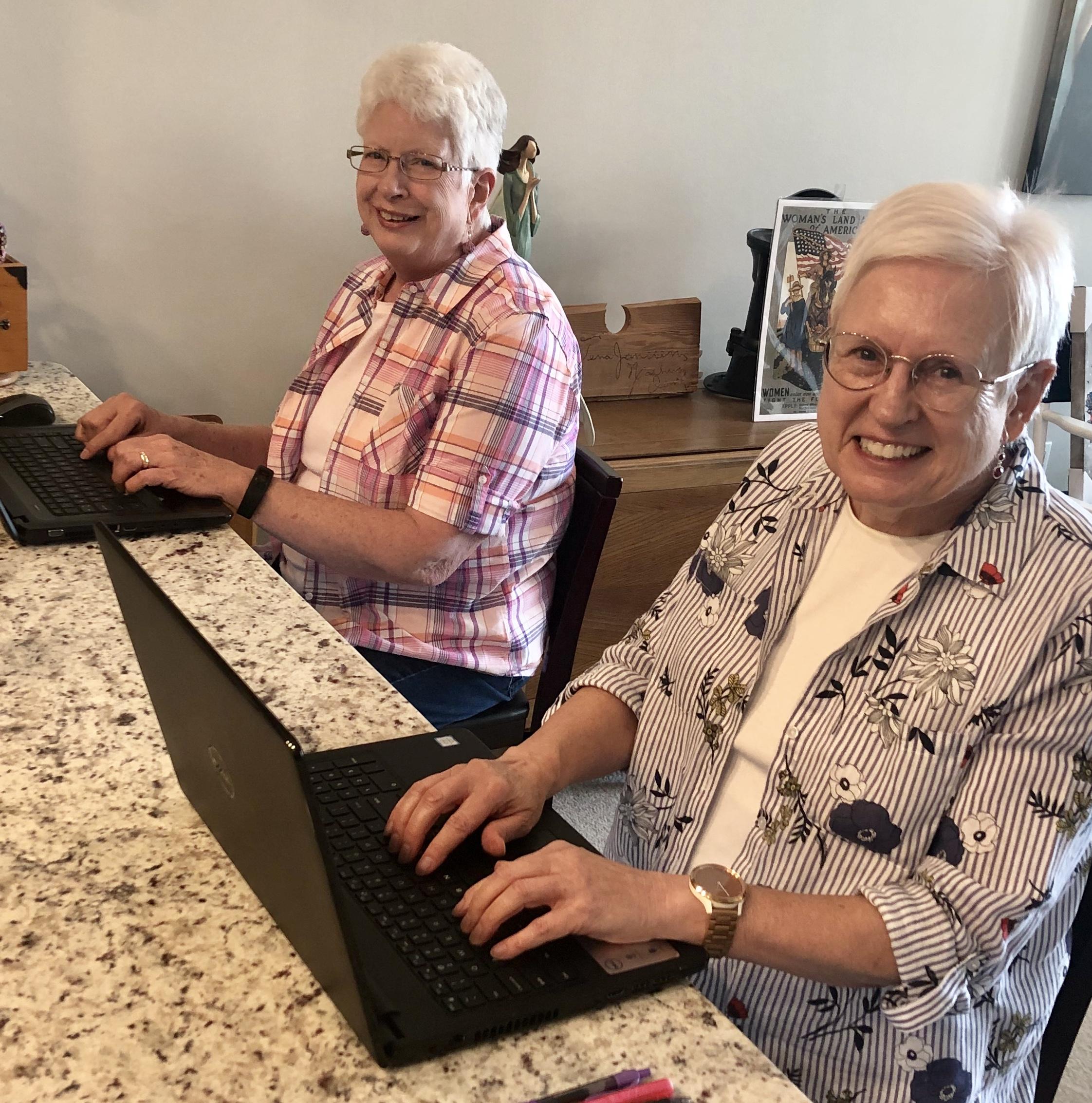 Tallgrass Creek residents embrace technology